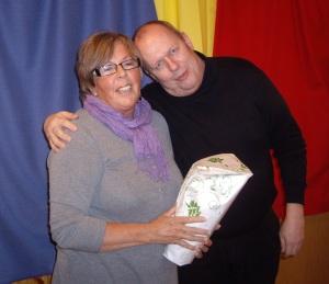 Stefan tackar Judith.